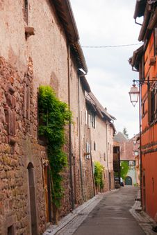 Free Old Streets In Riquewihr Town Royalty Free Stock Image - 27652296