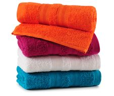 Free Bath Towels. Royalty Free Stock Photos - 27658908