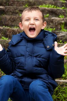 Free Little Cute Boy Screaming Royalty Free Stock Photos - 27664498