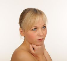 Free Portrait Of A Beautiful Young Woman Royalty Free Stock Photo - 27679405