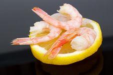 Free Shrimps On Lemon Stock Photography - 27679842