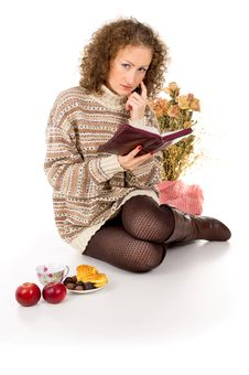 Free Girl Relaxing With A Book Royalty Free Stock Photos - 27689888