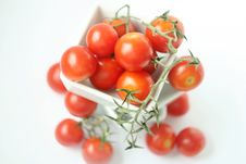 Free Fresh Tomatoes In Square Bowl Royalty Free Stock Image - 2771216