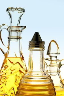 Free Olive Oil Bottles Royalty Free Stock Images - 2772939