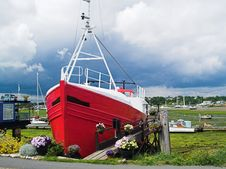 Red Houseboat Front Royalty Free Stock Image