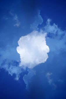 Fluffy Cloud Royalty Free Stock Images