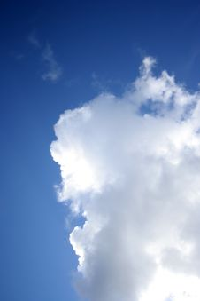 Free Fluffy Cloud Stock Photos - 2777523