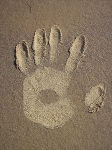 Free Sand Hand Royalty Free Stock Images - 2778259