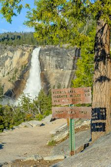 Free Tourist Sign And Waterfall In Yosemite Stock Images - 27705144