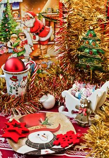 Free Christmas Table Arrangement Royalty Free Stock Image - 27715086