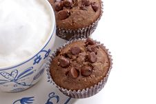 Chocolate Chip Muffin With Coffee Royalty Free Stock Photos
