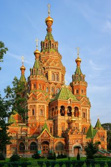 Free St. Peter And Pauls Cathedral In Peterhof, Russia Royalty Free Stock Photo - 27722745