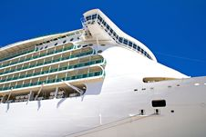 Free Cruise Ship In Port Royalty Free Stock Photo - 27723335