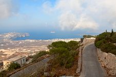 Free Road With Views Of The Sea Royalty Free Stock Images - 27729169