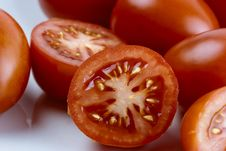 Free Sliced Tomato Royalty Free Stock Images - 27736259