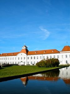 Free Nymphenburg Palace In Munich Royalty Free Stock Photo - 27743835