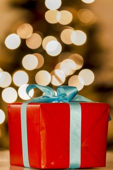 Free Christmas Gift Royalty Free Stock Photo - 27762445