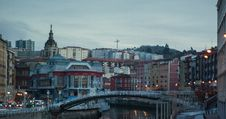 Free Bridge In Bilbao At Evening Royalty Free Stock Images - 27768919