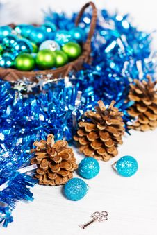 Free Christmas Decoration Royalty Free Stock Photography - 27770667