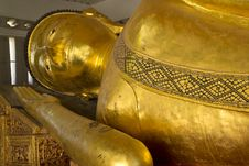 Free The Big Golden Reclining Buddha In The Important Temple Royalty Free Stock Images - 27779059