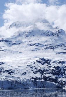 Free Glacier, Mountain And Clouds Royalty Free Stock Image - 2783216