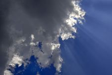 Free Rays Of Light In Blue Sky Stock Photography - 2784292