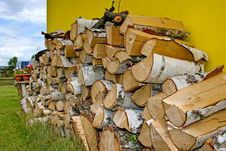 Free Stacked Winter Logs For Heatin Stock Images - 2786644