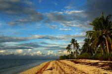 Free Tropical Pristine Island Royalty Free Stock Photo - 2786845