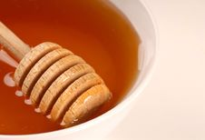 Free Closeup Of A Bowl Of Honey Stock Photo - 2787620