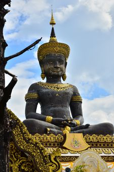 Free Big  Buddhist Statue Royalty Free Stock Images - 27804799