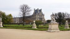 Free Louvre Palace And Autumn Park Royalty Free Stock Photos - 27808818
