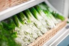 Free Heap Of Green Onion In Supermarket Royalty Free Stock Photo - 27818305
