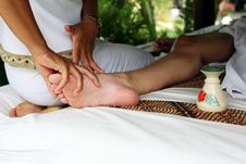 Free Massage Of Legs Stock Photos - 27823693