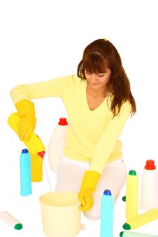 Free Woman Cleaning Royalty Free Stock Photos - 27823978