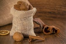 Free Mix Nuts In A Burlap Bag Stock Photos - 27828163