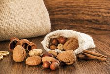 Free Mix Nuts In A Burlap Bag Royalty Free Stock Photo - 27828185