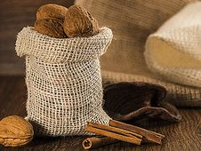 Free Nuts In A Burlap Bag Royalty Free Stock Image - 27828396