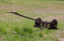 Free Old, Vintage Lawnmower Royalty Free Stock Images - 27830469
