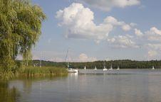 Free Lake Scene Stock Images - 27834964