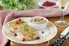 Free Chicken Cutlets With Cowberry And Mushroom Sauce Stock Images - 27850324