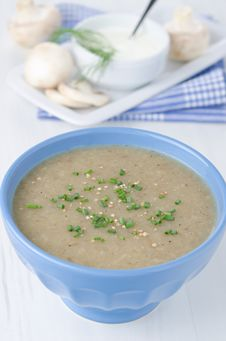 Free Bowl Of Mushroom Soup Royalty Free Stock Image - 27850386