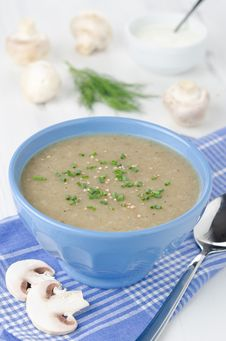 Free Bowl Of Mushroom Soup Royalty Free Stock Image - 27850406