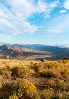 Free On The Way To The Tioga Pass, California Royalty Free Stock Photo - 27872595