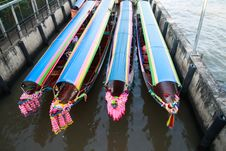 Free Colorful Boats Stand By For Tourists Royalty Free Stock Photos - 27879638