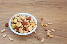 Free Mixed Nuts Stock Image - 27882401