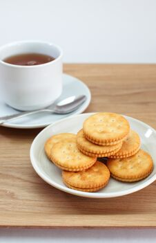 Free Cracker And Tea Royalty Free Stock Photo - 27882495