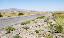 Free The Road Through The Steppe Royalty Free Stock Photography - 27882637