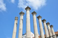 Free Ancient Columns Of The Roman Temple In Cordoba Stock Photography - 27884262