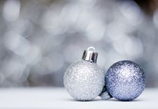 Free Christmas Decorations Stock Photography - 27896282