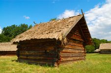 Free Old Wooden Barn Royalty Free Stock Images - 2793189